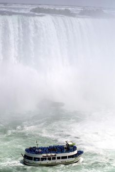 Niagara Falls Photo Gallery - See Pictures of Niagara Falls: The Maid of the Mist, Niagara Falls
