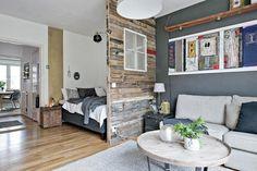 Une+cloison+en+vieux+bois+pour+séparer+la+chambre+-+PLANETE+DECO+a+homes+world