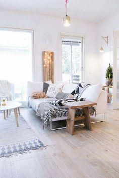 Kleine r ume haben einen eigenen charme gem tliches - Kleines wohnzimmer groayes sofa ...