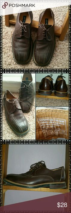 Mens Leather Oxfords Dark brown leather uppers great for business casual attire. Shoes are in very nice condition with some wear on the soles as shown. Skechers Shoes Oxfords & Derbys
