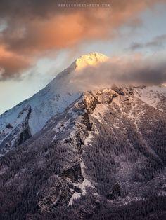 Havran at sunset by Jakub Perlikowski (Tatra Mountains, Poland)