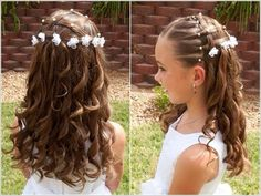 Hairdo on your girl the next time you have to go to a wedding and you will love it. these are our top choices for wedding day little girl hairstyles. Cute Little Girl Hairstyles, Flower Girl Hairstyles, Trendy Hairstyles, Braided Hairstyles, Wedding Hairstyles, Teenage Hairstyles, Communion Hairstyles, Hairdo For Long Hair, Girl Hair Dos