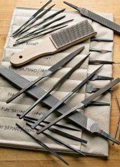 Limatões de cera ou de metais. Escova de metal para limpeza, das limas.