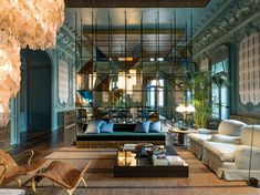 Fendi reveals the new apartment in Rome designed by Emiliano Salci and Britt Moran, of Dimore Studio. The apartment unfolds on the second floor of Palazzo Fendi Palazzo, Top Interior Designers, Interior Design Studio, Cafe Design, Design Design, Fendi, Style At Home, Salas Lounge, Rome Apartment