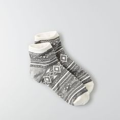 AEO Ankle Sockss found on Polyvore featuring polyvore, women's fashion, clothing, intimates, hosiery, socks, grey, gray ankle socks, short socks and grey socks