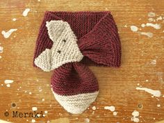 Free Fox Scarf Knitting Pattern. In Dutch and English.