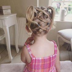 Little Baylee with a toddler updo  #sweetheartshairdesign #toddlerhair #braidsforlittlegirls #trenza #tresse #coiffure #peinado #cutehairstyles #kidshair