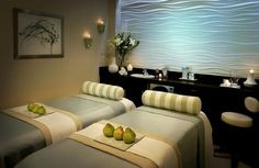 How To Find The Perfect Massage Solution For Your Needs. A massage's quality depends on the giver and receiver of the massage. Massage Room Decor, Massage Therapy Rooms, Spa Room Decor, Bedroom Decor, Home Spa Room, Spa Rooms, Spa Privatif, Spa Treatment Room, Massage Treatment