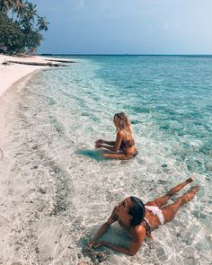 summer goals healthy For more summer vibes us on I - summergoals Photos Bff, Beach Photos, Friend Photos, Girl Beach Pictures, Beach Aesthetic, Summer Aesthetic, The Beach, Beach Day, Beach Girls