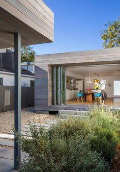 Playful Dynamics Exuded by Family Home in California: Keystone Ave Residence - http://freshome.com/playful-dynamics-exuded-by-family-home-in-california-keystone-ave-residence