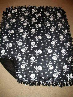 Skulls & Stars w/ Black back Fleece Tie Blanket