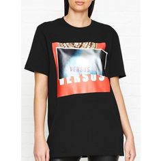 Versus Versace Zayn X Versus Oversized Printed T-Shirt (3,540 MXN) ❤ liked on Polyvore featuring tops, t-shirts, black, over sized t shirt, oversized tops, oversized tees and oversized t shirt