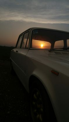 Giulia and sunset Alfa Romeo Giulia, Cars And Motorcycles, Sunset, Modern, Vintage Cars, Cars, Classic, Trendy Tree, Sunsets