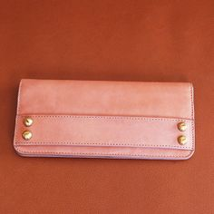 Leather envelop wallet in nude by Malababa #malababa #leather #wallet