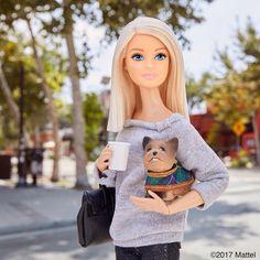 It's the Happy to be home in LA and back in to my groove with Miss Honey. Diy Barbie Clothes, Barbie Life, Barbie World, Mattel Barbie, Barbie Dress, Barbie Outfits, Barbie Fashionista, Barbie Tumblr, Princess Barbie Dolls