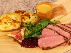 Provencal duck with cider sauce and chèvre au gratin potatoes. //Translate from Swedish // Crispy duck breast with Provencal spices, creamy cider sauce and gratin potatoes with goat cheese. Potatoes Au Gratin, Swedish Recipes, Food Decoration, Goat Cheese, Love Food, Chicken Recipes, Spices, Pork, Food And Drink