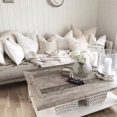 Personalize your home decoration with pretty digital printables. Living Room Inspiration, Interior Inspiration, Living Room Decor Cozy, Decorating Your Home, Bed Pillows, Sweet Home, Shabby Chic, New Homes, Lounge