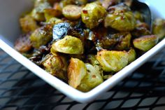Roasted Brussels Sprouts and Bacon Yep, the same technique for roasting bacon with cauliflower and broccoli also works for Brussels sprouts. Roasted Brussel Sprouts Bacon, Brussel Spouts, Roasted Bacon, Bacon Bacon, Sprouts With Bacon, Paleo Side Dishes, Veggie Dishes, Side Dish Recipes, Veggie Recipes