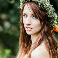 Rustic wegging, flower crown