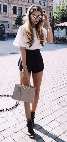 The weekly summer outfits selection is here with a collection of cute everyday outfits you can wear anytime this summer. Preppy Summer Outfits, Spring Outfits, Casual Outfits, Cute Outfits, Fashion Outfits, Outfits Primavera, Cute Everyday Outfits, Chicago Outfit, Semi Formal Outfits