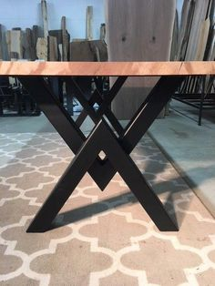 Dining table Holz Tischbeine DIY Metalle 26 super Ideen The Beauty and Benefits of Breast Diy Metal Table Legs, Steel Table Legs, Metal Tables, Steel Dining Table, Dining Table Legs, Legs For Tables, Welding Table, Diy Welding, Vintage Industrial Furniture