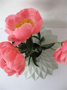 """Paper vase """"sunflower"""" by Romy Kühne Design"""