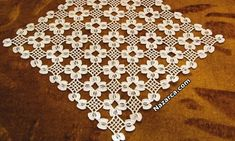 This Pin was discovered by Gür Crochet Lace Edging, Crochet Art, Crochet Squares, Love Crochet, Filet Crochet, Irish Crochet, Crochet Doilies, Crochet Flowers, Crochet Symbols