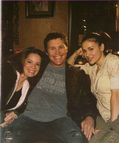 Charmed Piper Halliwell, Phoebe Halliwell and Leo Wyatt (Holly Marie Comb, Alyssa Milano, Brian Krause) Charmed Sisters, Charmed Wyatt, Piper Charmed, Alyssa Milano Charmed, Alyssa Milano Hot, Serie Charmed, Charmed Tv Show, Holly Marie Combs, Rose Mcgowan