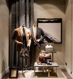 Massimo Dutti Windows 2015 Fall, London – UK » Retail Design Blog. Visual merchandising. VM. Retail store display window. Men's clothing and accessories.