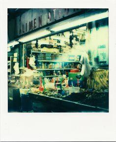 Alimentation - Marché aux Puces #Marseille #marché #Puces #alimentation #boutique #fruits #légumes #épices #polaroid / www.marseillepolaroid2013.com