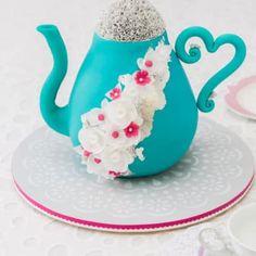 Simple Stencilled Cake Board Tutorial ~ Sweetness and Bite Watercolor Cake Tutorial, Fondant Flower Tutorial, Cupcake Tutorial, Fondant Cakes, Cupcake Cakes, Cupcakes, Fondant Figures, Caramel Mud Cake, Teapot Cake