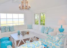NANTUCKET NATURAL - ISLAND OUTDOOR COLORS INISDE A SMALL BEACH COTTAGE!