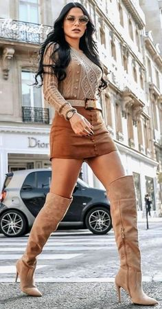 High Heels Outfit, Autumn Fashion Women Fall Outfits, Womens Fashion, Pullover Rock, Sexy Stiefel, Elegantes Outfit, Sweater Skirt, Sexy Boots, Fall Sweaters