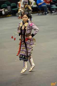 , View and post pictures or join a forum conversation on our Native American culture gathering page. Native American Clothing, Native American Regalia, Native American Beauty, Native American Photos, Native American Artists, Native American Beadwork, Jingle Dress Dancer, Indian Pics, Native American Spirituality