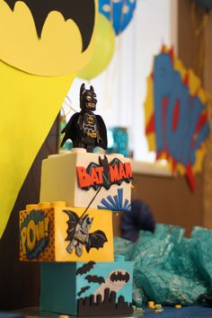 Lego Batman Cake Had a fun time making us Lego Batman cake for my son's seve - Lego Batman - Ideas of Lego Batman - Lego Batman Cake Had a fun time making us Lego Batman cake for my son's seventh birthday. I really want to do vintage Batman Lego Batman Party, Lego Batman Cakes, Superhero Theme Party, Superhero Birthday Cake, Novelty Birthday Cakes, Lego Cake, Lego Birthday, 11th Birthday, 2nd Birthday Parties