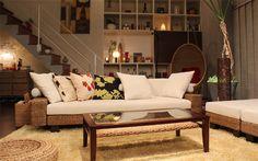ひとつアジアン家具を買うとすれば、何を選びますか? リゾート感たっぷりのベッドや、座り心地のよいソファなどもいいですが、バンブーのパーティションなんかはいかがでしょう? これにちょっとしたアジアン雑貨やファブリックをプラスして、アジアンコーナーを作ってみたくありませんか? そこに次はカウチソファを買い足していったら、のんびりとリラックスできるリゾートインテリアが、自分の部屋にでき上がります。room-2405-10825