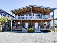 VRBO.com #573905 - Sunny Duplex with Ocean Views, Space for 20 & Dogs Ok!