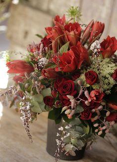 Fresh Flowers Burgundy Flowers, Gold Flowers, Fresh Flowers, Red Roses, Beautiful Flowers, Red Flower Arrangements, Christmas Floral Arrangements, Red Centerpieces, Christmas Centerpieces