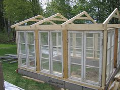 Lailas lille rede: Søkeresultat for Drivhus Simple Greenhouse, Window Greenhouse, Backyard Greenhouse, Greenhouse Plans, Backyard Sheds, Backyard Landscaping, Miniature Greenhouse, Diy Shed Plans, Old Windows