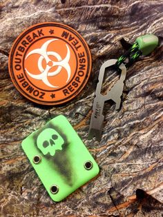 New Kydex-colour in stock, Signal Green.  Sheath for EDC-tool: painted with Parker Duracoat, Glow in Dark Cordlock.