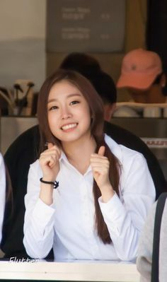 LOVELYZ - Seo JiSoo #서지수 #지수 cafe Lovelyz at NIT Coffee 150913