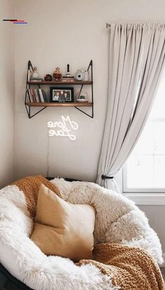 37 Comfortable and Soft Sofa Makes You Really Relaxed - SoShell - #roominspo - As the center of the whole room, the living room is not only the place for meeting, chatting, leisure and entertainment, but also the tenderest place in th... Cute Bedroom Ideas, Room Ideas Bedroom, Teen Room Decor, Ikea Bedroom, Bedroom Inspo, Bedroom Inspiration, Bedroom Furniture, Study Room Decor, Apartment Bedroom Decor