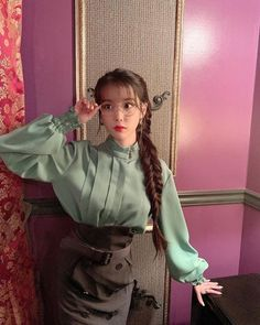 Image in IU 이지금 🐥 collection by тιηкєявєℓℓ ✨ on We Heart It Luna Fashion, Kpop Fashion, Korean Fashion, Iu Hair, Kpop Hair, Korean Girl, Asian Girl, Korean Actresses, Korean Outfits