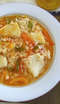 Try this cod rice recipe with the pleasant taste of peppers and tomato! Cod Recipes, Rice Recipes, Seafood Recipes, Cod And Rice Recipe, Rice Nutrition, Portuguese Recipes, Portuguese Food, Food Preparation, Good Food