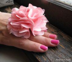 Finger Corsage...  Corsage para lucir en tu mano...