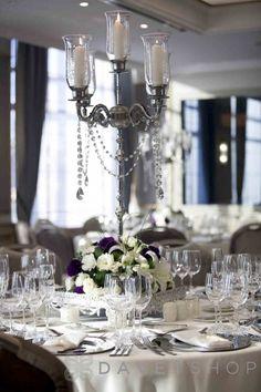 Martı Istanbul Hotel, yeni evlenecek çiftler için; görkemli balo salonu, özel tasarım odaları ve otelin onbirinci katında yer alan muhteşem İstanbul manzaralı Martı Wellness&SPA Soul ile unutulmaz bir düğün organizasyonu sunar.