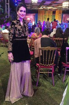 Pakistani Formal Dresses, Pakistani Party Wear, Pakistani Wedding Outfits, Pakistani Dress Design, Pakistani Couture, Bridal Outfits, Wedding Dresses, Designer Party Wear Dresses, Kurti Designs Party Wear
