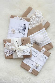 Wrapping Ideas I love brown paper - a little lace & ribbon!I love brown paper - a little lace & ribbon! Japanese Gift Wrapping, Japanese Gifts, Present Wrapping, Creative Gift Wrapping, Wrapping Ideas, Creative Gifts, Christmas Gift Wrapping, Christmas Gifts, Santa Gifts