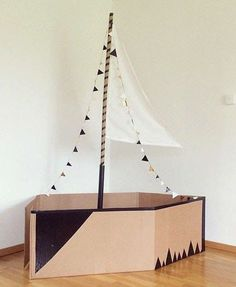 mommo design: RECYCLE AND PLAY - Cardboard boat/ love the idea of using two in the garden with plenty of water balloons Projects For Kids, Diy For Kids, Cool Kids, Crafts For Kids, Boat Crafts, Flower Crafts, Cardboard Toys, Cardboard Box Boats, Cardboard Crafts Kids