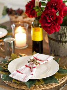 Love the acorn napkin rings. This is a great rustic-chic look! http://www.hgtv.com/entertaining/our-favorite-thanksgiving-table-setting-ideas/pictures/page-3.html?soc=pinterest
